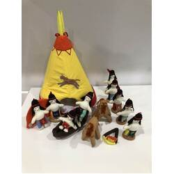 Dyles Teepee and 10 little Indians